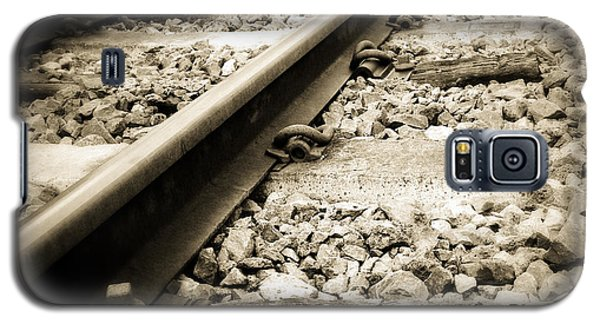 Railway Tracks Galaxy S5 Case by Les Cunliffe