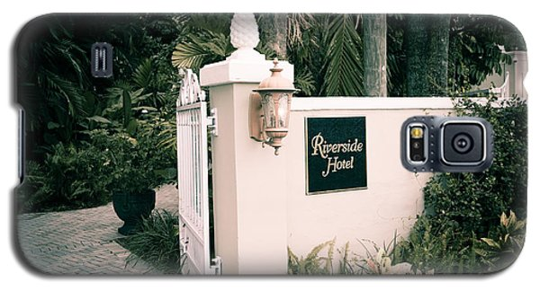 Riverside Hotel Galaxy S5 Case