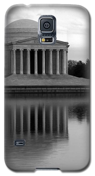 Galaxy S5 Case featuring the photograph The Jefferson Memorial by Cora Wandel