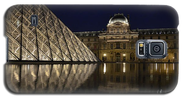 The Louvre Palace And The Pyramid At Night Galaxy S5 Case