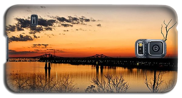 The Mississippi River Bridge At Natchez At Sunset.  Galaxy S5 Case