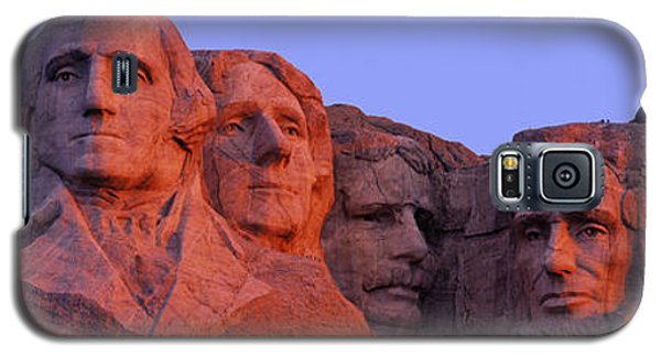 Usa, South Dakota, Mount Rushmore Galaxy S5 Case by Panoramic Images