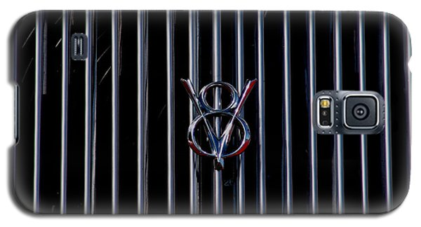 Galaxy S5 Case featuring the photograph V8 Grill by Chris Thomas