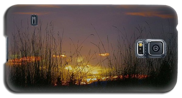 Galaxy S5 Case featuring the photograph Winter Sunset by Michael Dohnalek