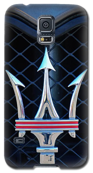 2005 Maserati Gt Coupe Corsa Emblem Galaxy S5 Case by Jill Reger