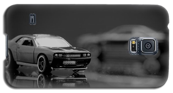 Galaxy S5 Case featuring the photograph 2008 Dodge Challenger Srt8 by Wade Brooks