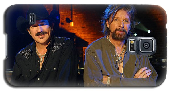 Galaxy S5 Case featuring the photograph Brooks And Dunn by Don Olea
