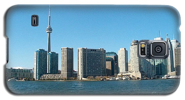 Cn Tower Toronto View From Centre Island Downtown Panorama Improvised With Graphic Artist Tools Pain Galaxy S5 Case by Navin Joshi