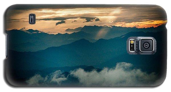 Galaxy S5 Case featuring the photograph Panaramic Sunset Himalayas Mountain Nepal by Raimond Klavins