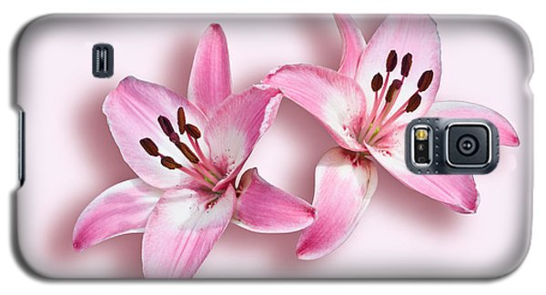 Galaxy S5 Case featuring the photograph Spray Of Pink Lilies by Jane McIlroy