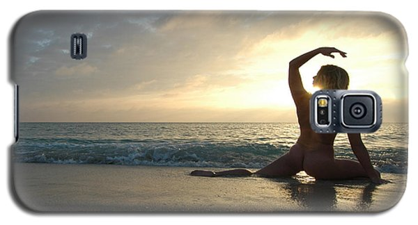 3954 Sunrise Yoga Nude On The Beach  Galaxy S5 Case