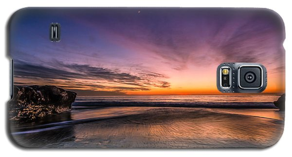 4 Mile Beach Sunset Galaxy S5 Case by Linda Villers