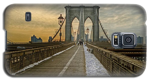 Galaxy S5 Case featuring the photograph Brooklyn Bridge by Jerry Gammon