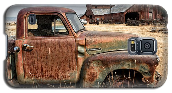 '54 Chevy Put Out To Pasture Galaxy S5 Case