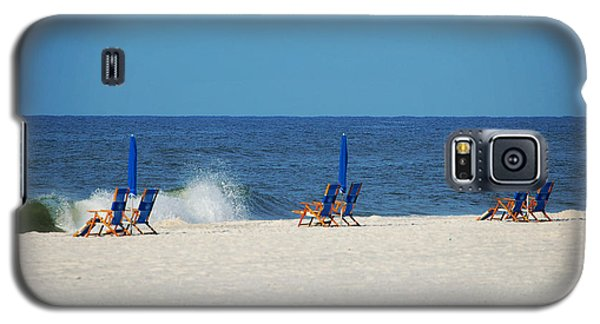 6 Chairs And Umbrella Galaxy S5 Case by Michael Thomas