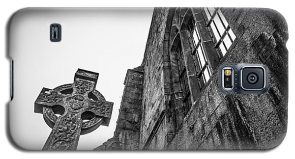 700 Years Of Irish History At Quin Abbey Galaxy S5 Case