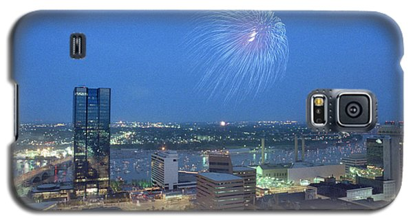 7403 Toledo Twilight Ohio Fireworks Over Maumee River Galaxy S5 Case by Chris Maher