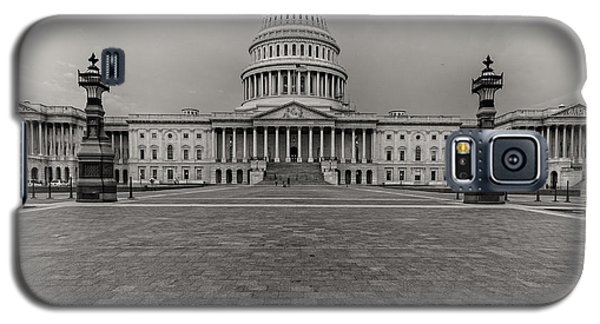 Galaxy S5 Case featuring the photograph Capitol Building by Peter Lakomy