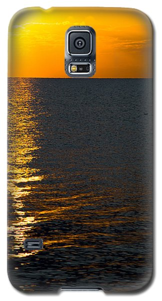 Galaxy S5 Case featuring the photograph 8.16.13 Sunrise Over Lake Michigan North Of Chicago 003 by Michael  Bennett