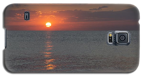 Galaxy S5 Case featuring the photograph 8.16.13 Sunrise Over Lake Michigan North Of Chicago 004 by Michael  Bennett