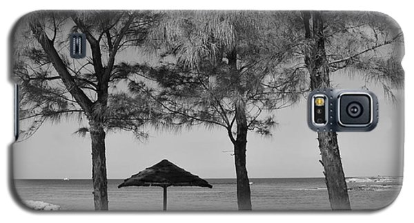 A Bahamas Scene In Black And White Galaxy S5 Case