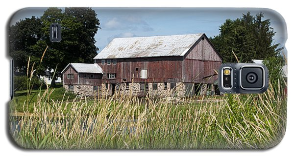 A Barn And Pond Galaxy S5 Case
