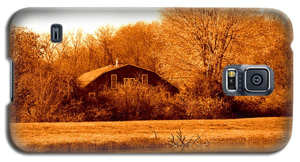 A Barn On The Lake Galaxy S5 Case