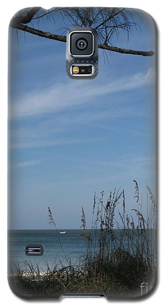 Galaxy S5 Case featuring the photograph A Beautiful Day At A Florida Beach by Christiane Schulze Art And Photography