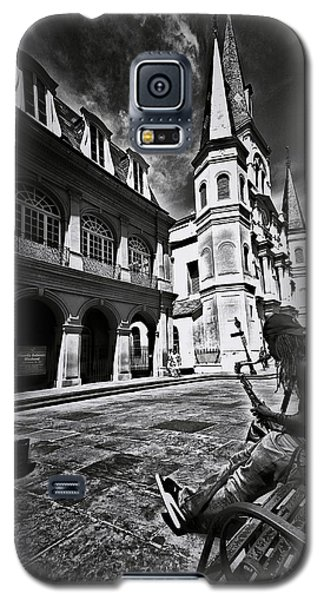 Galaxy S5 Case featuring the photograph A Buck At A Time by Robert McCubbin