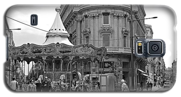 Galaxy S5 Case featuring the photograph A Carousel by Cendrine Marrouat
