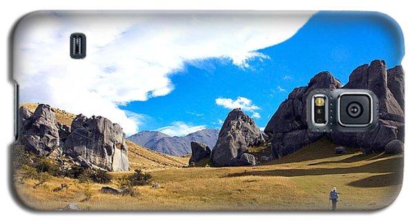 A Castle Hill Walk Galaxy S5 Case by Stuart Litoff