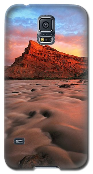 Galaxy S5 Case featuring the photograph A Chocolate Milk River by Ronda Kimbrow
