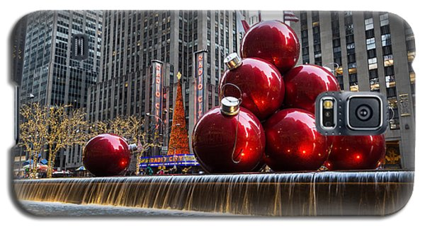 A Christmas Card From New York City - Radio City Music Hall And The Giant Red Balls Galaxy S5 Case
