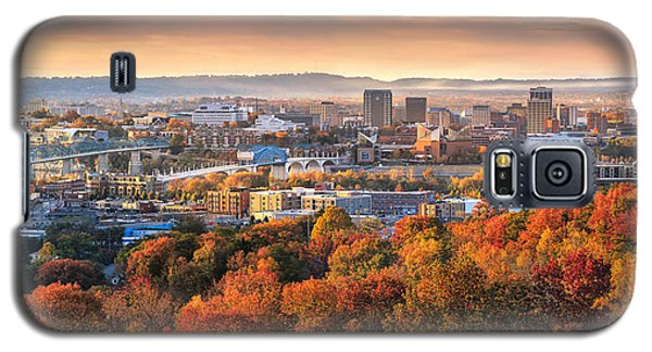 A Crisp Fall Morning In Chattanooga  Galaxy S5 Case by Steven Llorca