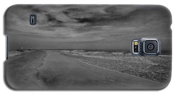 A Day At The Beach Galaxy S5 Case by J Riley Johnson