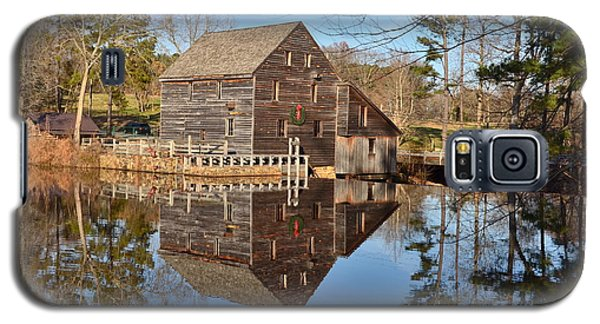 Galaxy S5 Case featuring the photograph A December Reflection by Bob Sample