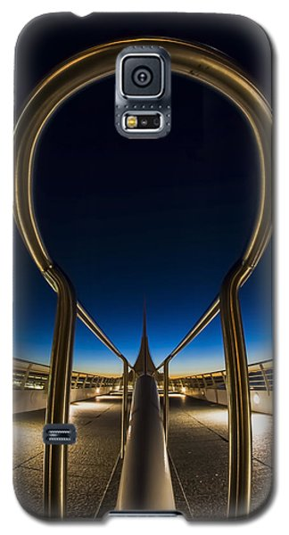 A Fisheye Look At The Ultra-modern Milwaukee Art Museum At Dawn Galaxy S5 Case