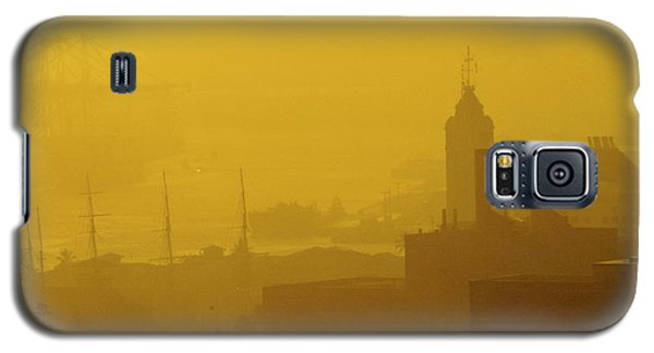 Galaxy S5 Case featuring the photograph A Foggy Golden Sunset In Honolulu Harbor by Lehua Pekelo-Stearns