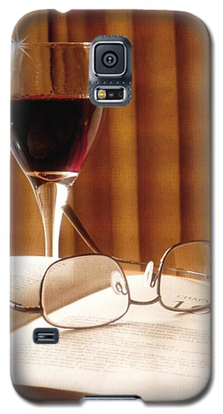 Galaxy S5 Case featuring the photograph A Good Book And A Glass Of Wine by Lucinda Walter