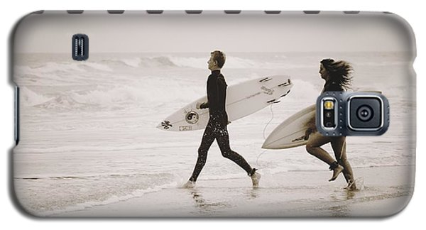 Galaxy S5 Case featuring the photograph A Good Day To Surf by Alice Gipson