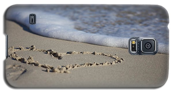 Galaxy S5 Case featuring the photograph A Heart Of Sand by Serene Maisey