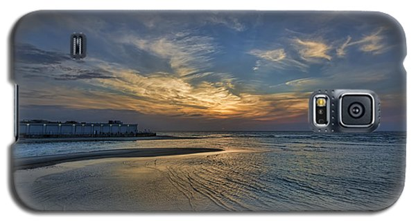 a joyful sunset at Tel Aviv port Galaxy S5 Case