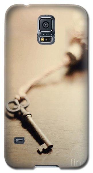 A Key... Galaxy S5 Case