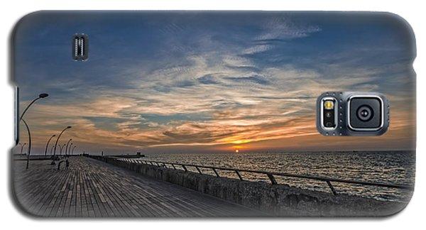 a kodak moment at the Tel Aviv port Galaxy S5 Case