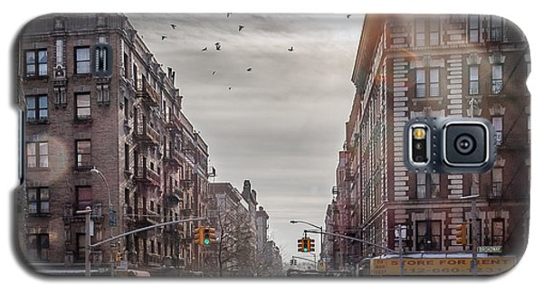 A Moment In Manhattan  Galaxy S5 Case by Anthony Fields