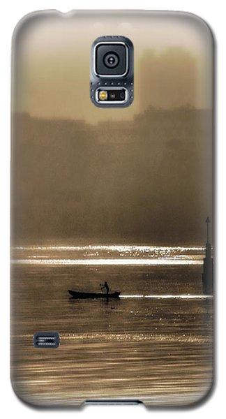 A Morning Paddle Galaxy S5 Case by Henry Kowalski