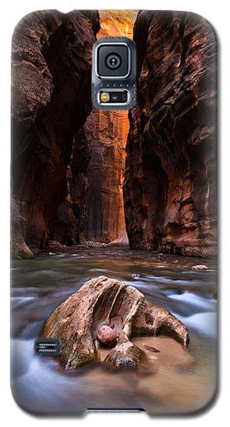 A Narrow Welcome Galaxy S5 Case