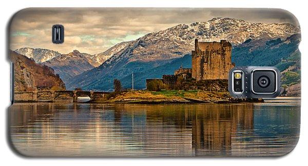 A Reflection At Eilean Donan Castle Galaxy S5 Case