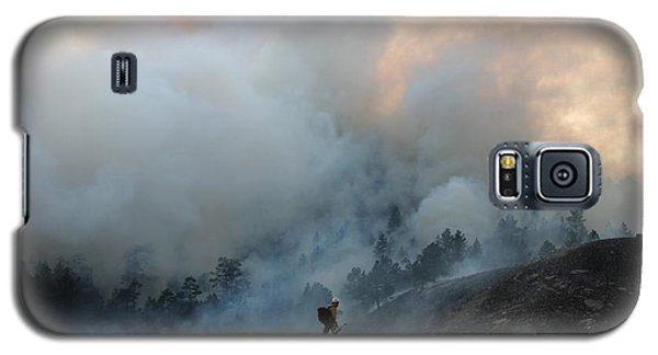 A Solitary Firefighter On The White Draw Fire Galaxy S5 Case