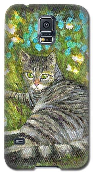 A Striped Cat On Floral Carpet Galaxy S5 Case by Jingfen Hwu